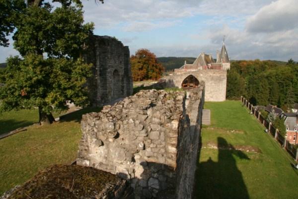 Les ruines du château comtal de Rochefort